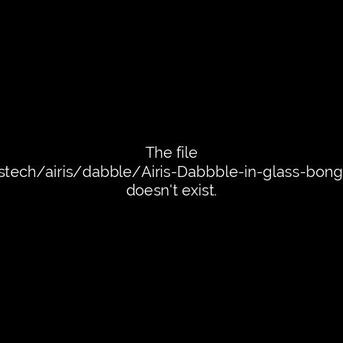 Airis Dabble in glass bong