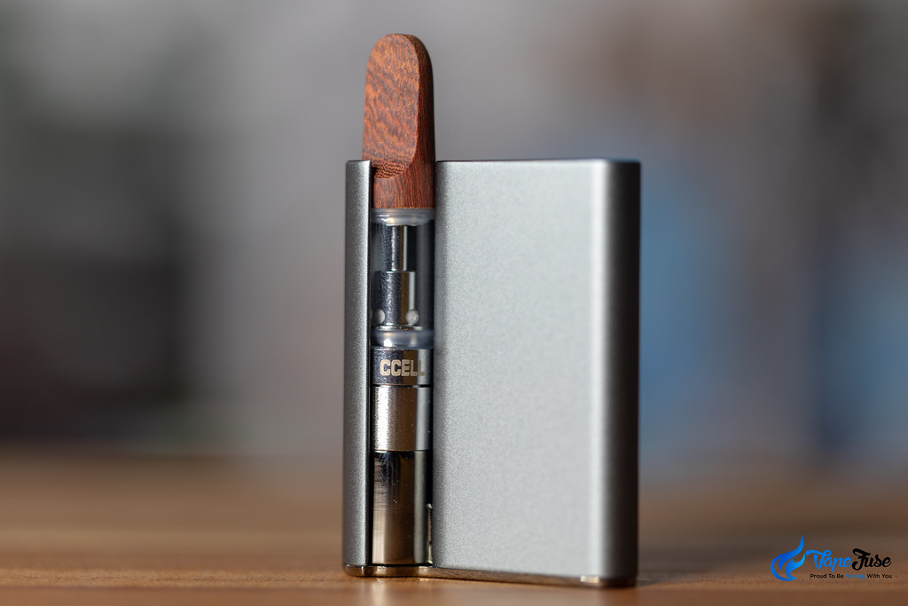 CCell Palm grey with CCell TH2 oil cartridge