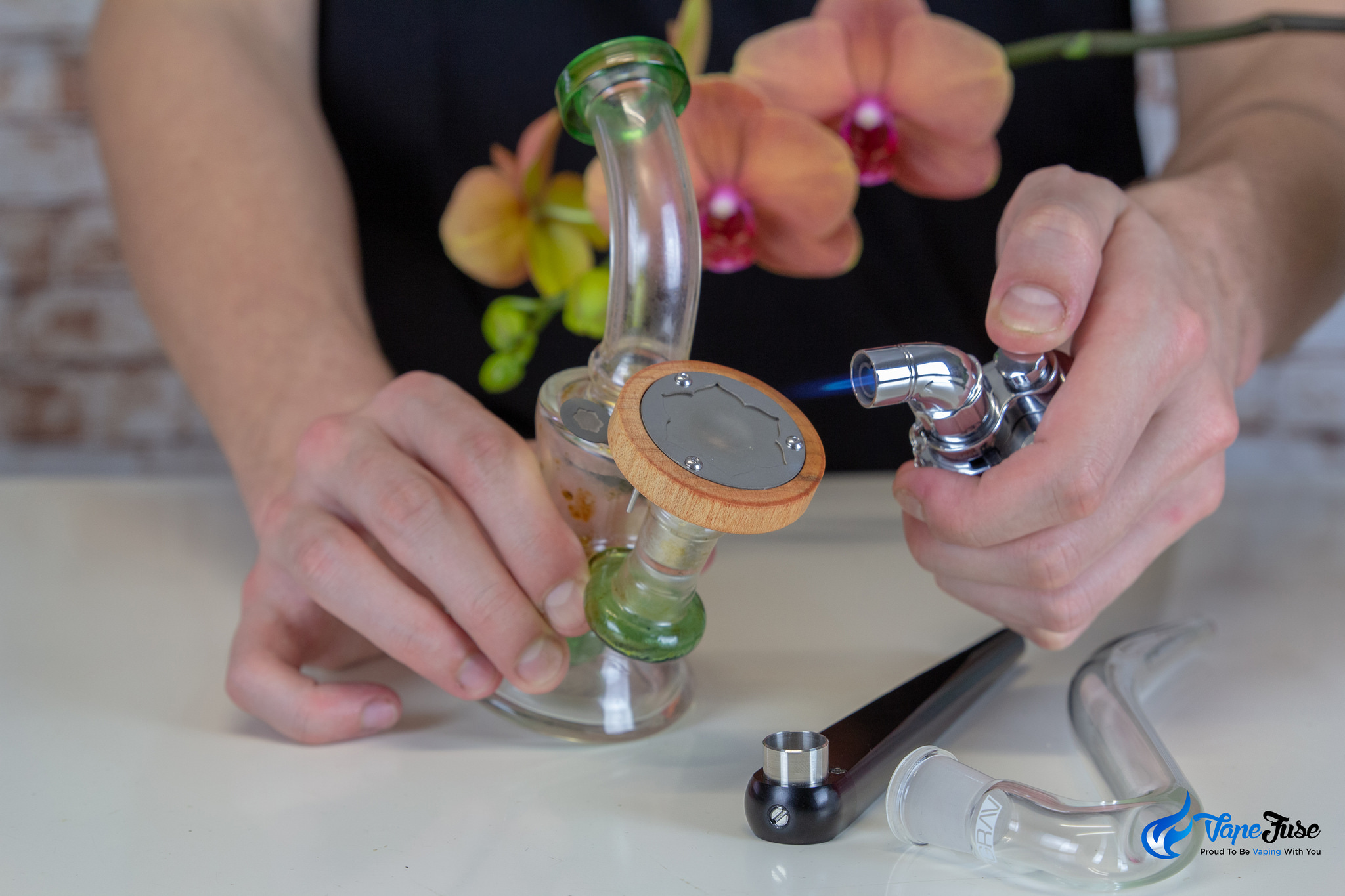 Lotus Vaporzier with waterpipe