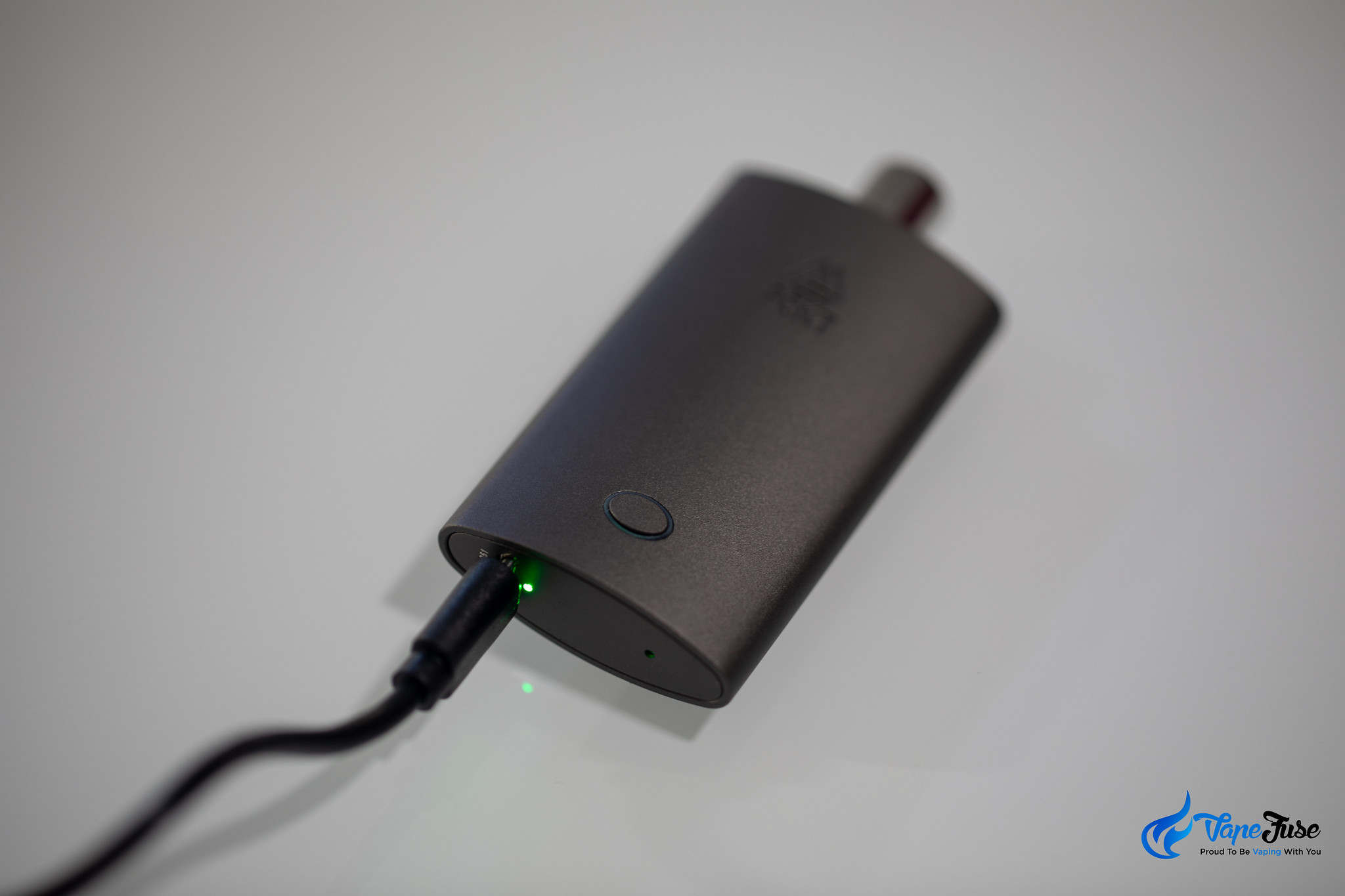 PCKT One Plus vaporizer on the USB charger