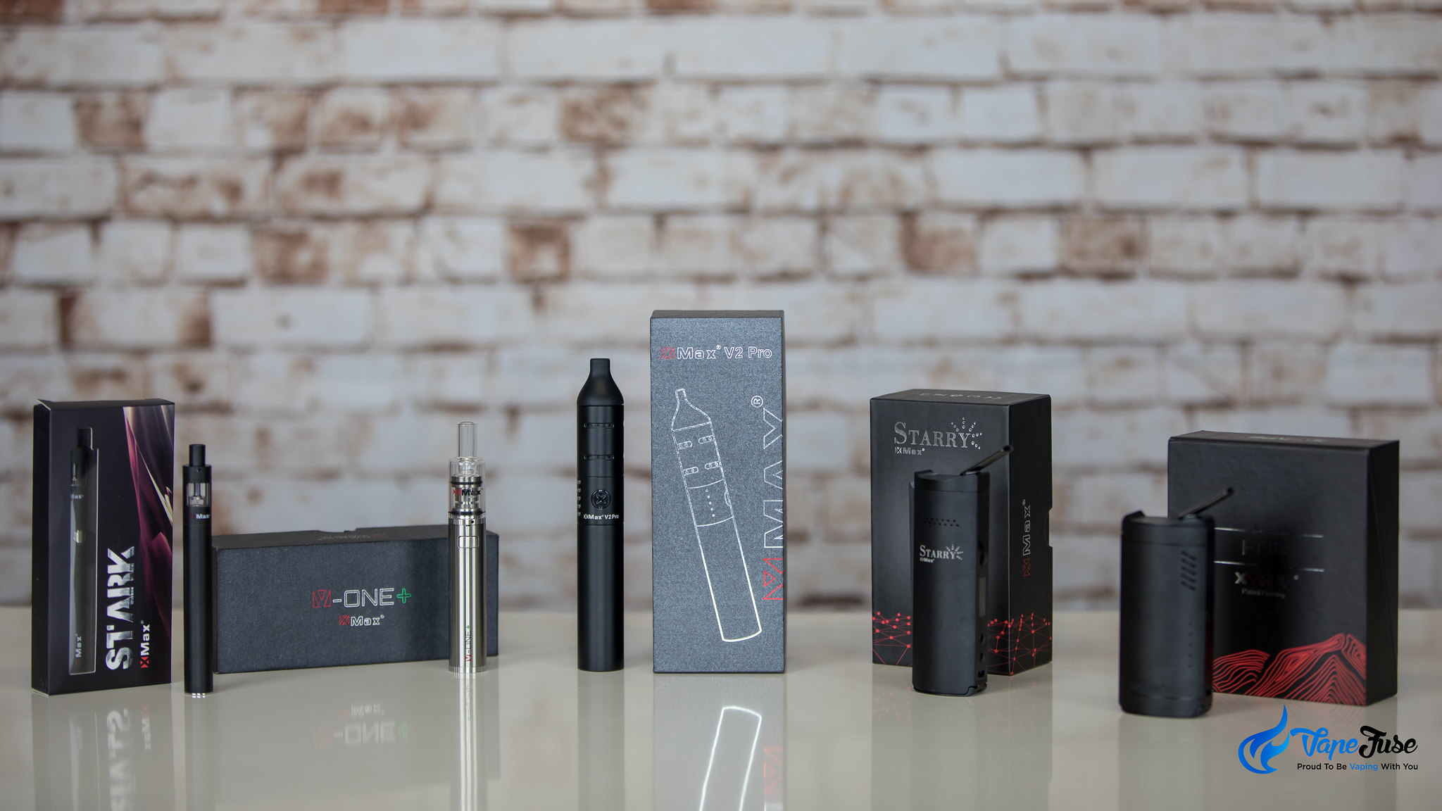 XMax V2 Pro Portable Vaporizer with other Xmax vapes