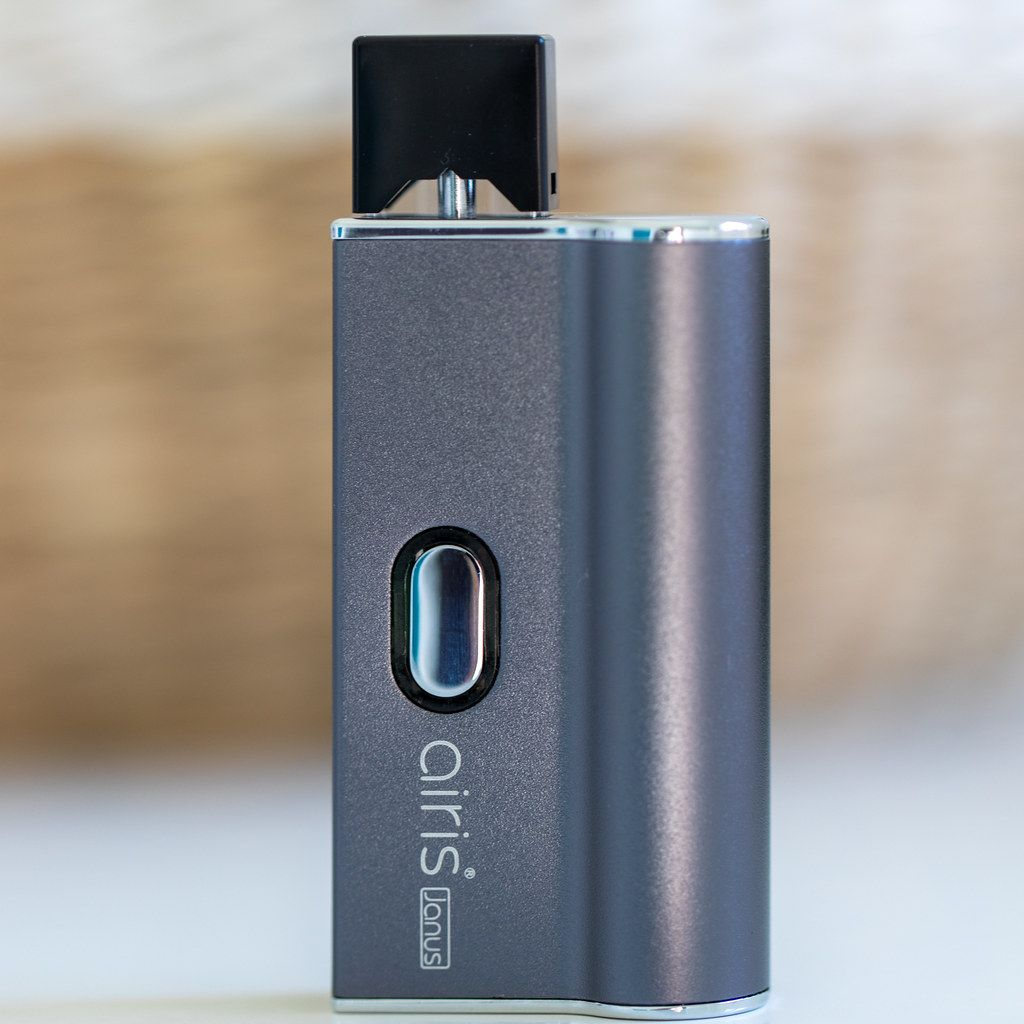 Airis Janus 510 Thread and Pod Vaporizer